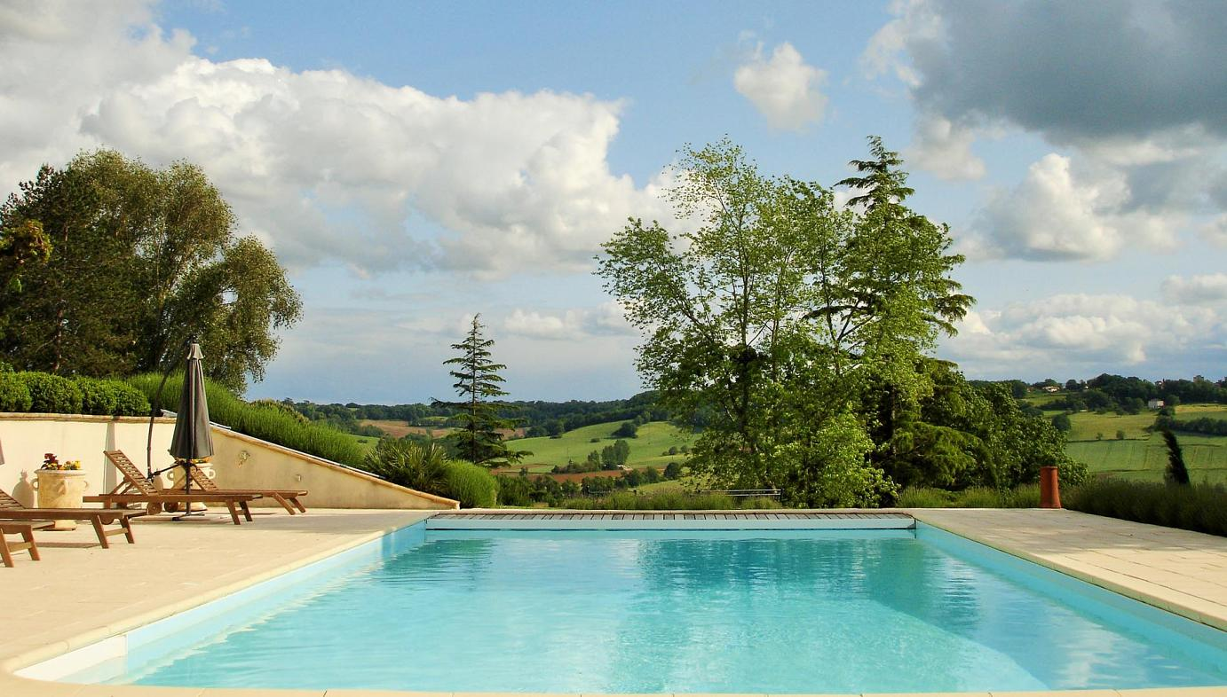 Luxury villa with pool near Sainte Livrade-sur-Lot, Villeneuve-sur-Lot, Agen, south west France