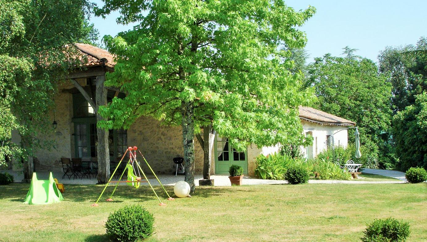 Sainte Livrade-sur-Lot luxury villa with pool for 2 - 15, France