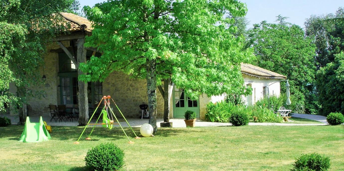 Holiday villa for 15 with pool in the Lot & Garonne region, SW France